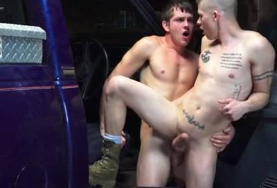 Sexo Com Mecânico Gay Dentro Da Oficina Com Cliente